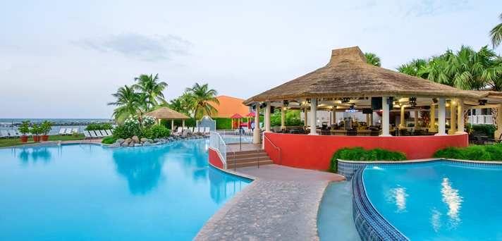 Embassy Suites Dorado del Mar - Beach & Golf Resort Hotel, Puerto Rico - Blue Seahorse Pool Bar #PRETTYGREAT WEEKEND GETAWAY CONTEST