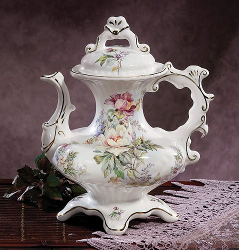 Aurora Victorian Teapot