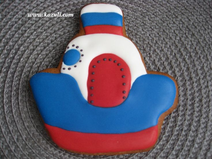 @kozuli_com  // Nautical cookies, Sailboat Cookies, Transportation Cookies, Cookies for Boys / Icing cookies /  Royal icing cookies / Decorated cookies / Cookie decorating / Cookie decorating ideas / Sugar cookies / Sugar cookie icing