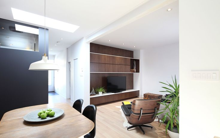 Living / Contemporary / Architecture / Design / Wood / Black / White
