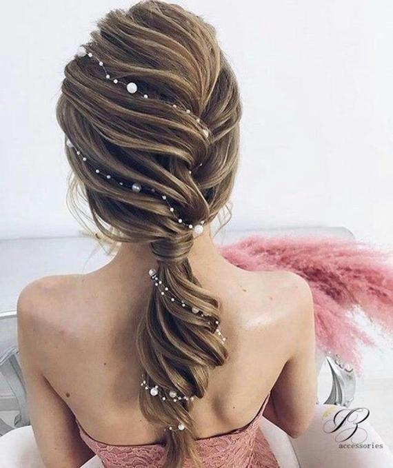 Einfache Hochzeit Perle Haar Rebe Weiß Elfenbein Braut Perle Haar Rebe Rotgold Kopfschmuck Stirnband minimalistischen Haarteil lange dünne Haar Rebe – Pretty hair styles