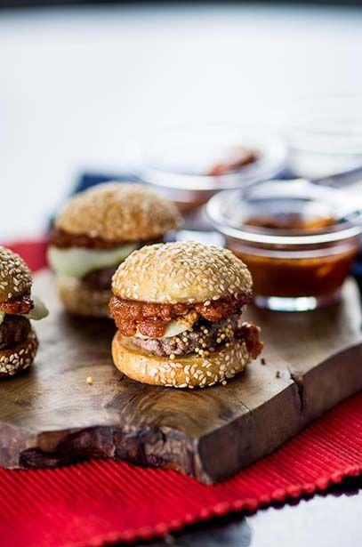 Receitas de hambúrguer O chef Felipe Bronze ensina como variar nas receitas em casa