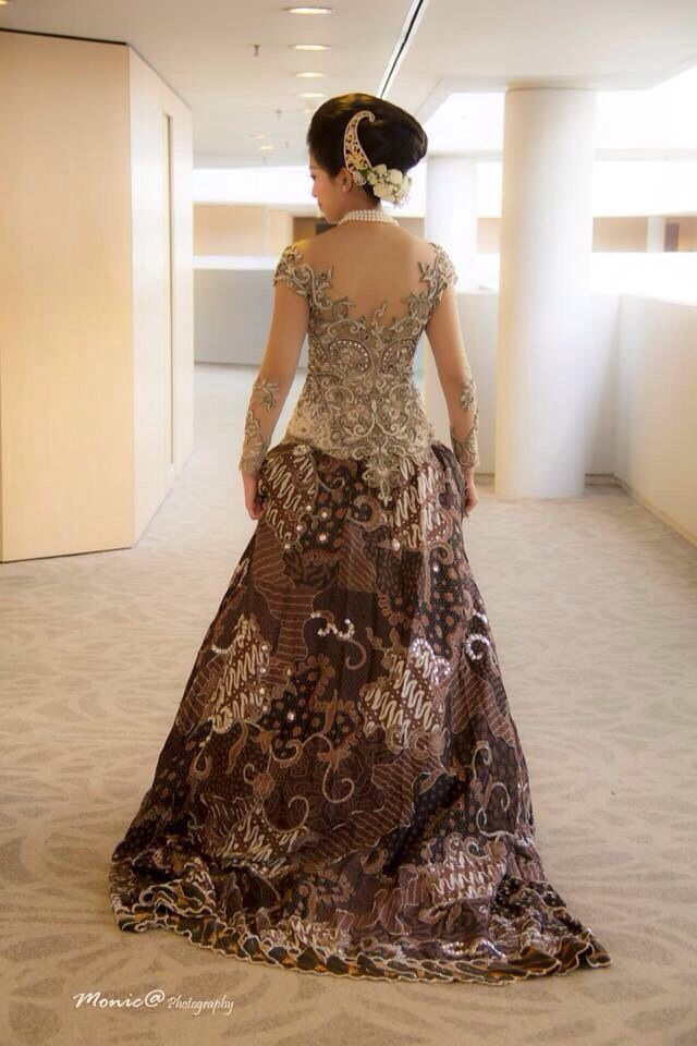 Modern kebaya and petticoat batik wedding dress by Rumah Kebaya (AnisArio-9/11/14, Perth)