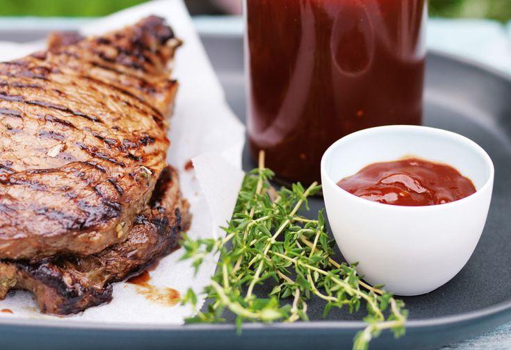 Rib-Steaks mit scharfem Ketchup
