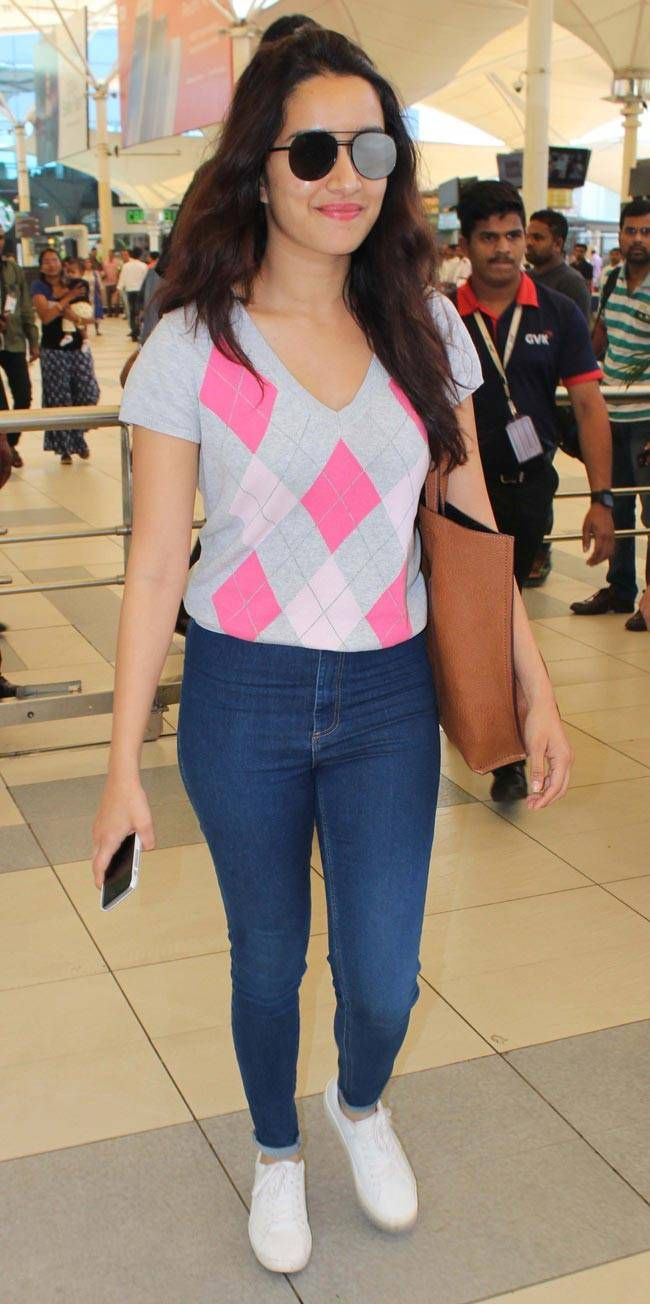 Shraddha Kapoor at Mumbai airport. #Bollywood #Fashion #Style #Beauty #Hot #Sexy