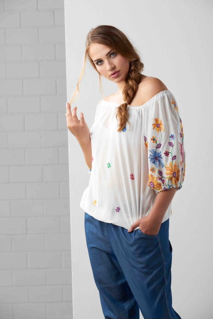 Maxima fashion, grote maten, witte blouse met bloemen