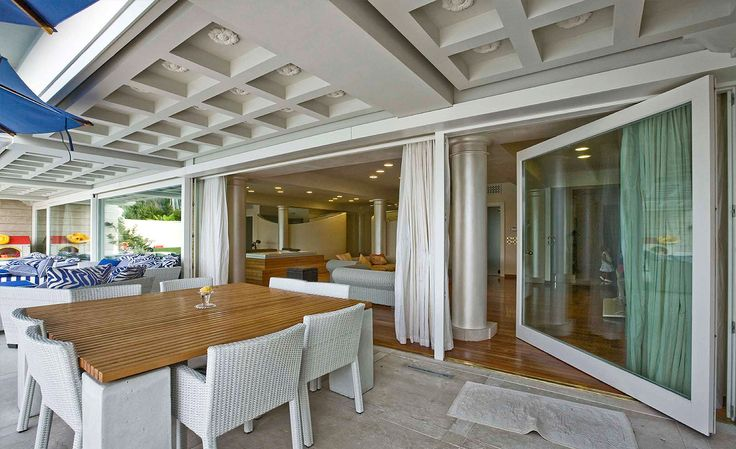 Large-Size Window Frames #architecture #design #frames #windows #glass #doors #house