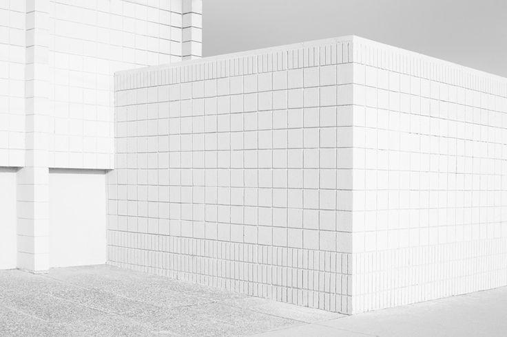 Nicholas Alan CopeNicolas Alan, White Bricks, Nicholas Alan, Coping Architecture, Coping White, White Architecture, Architecture Inspiration, Alan Coping, Architecture Photography