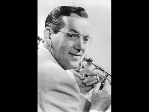 """Glenn Miller and His Orchestra ~ """"Perfidia"""" sung by Dorothy Claire & The Modernaires ~ 1941"""