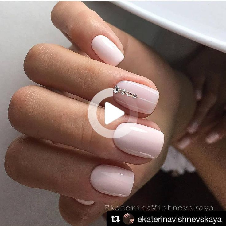 Uno 2 3 Quattro Cinque 6 7 Otto 9 Dieci Salva In Modo Da Non Perdere In 2020 Short Acrylic Nails Designs Neutral Nails Simple Nails
