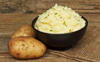 Οι δίαιτες που χαρακτηρίζουν τους υδατάνθρακες ως «απαγορευμένο καρπό» έχουν αναπόφευκτα επηρεάσει τη σχέση μας με την πατάτα και το ψωμί...