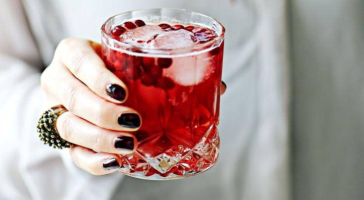 Recept på höstdrink med lingon och ingefära. Ingefäran ger drinken extra sting.