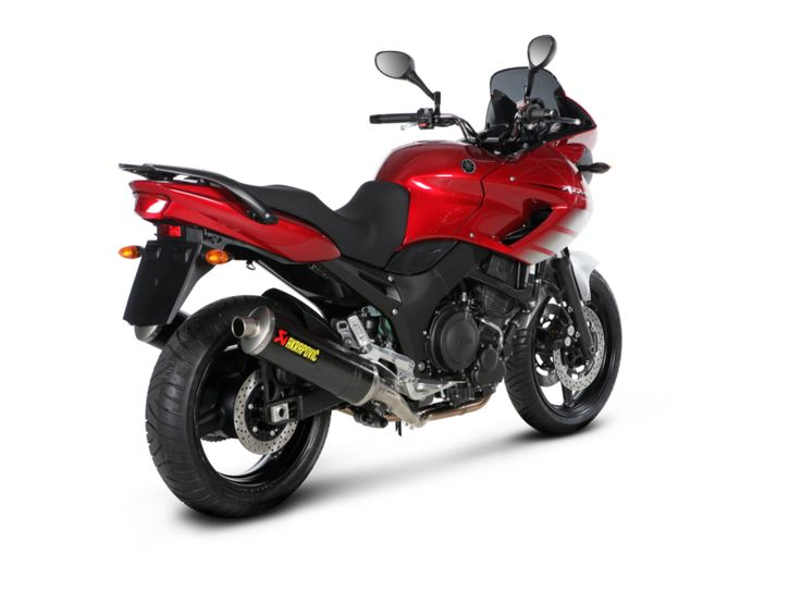 TDM 900 is universal and versatile motorcycle , designed to defeat any claim that you put in front of him - the most unforgettable travel with a companion to the daily transport of the city streets. This bike offers versatility with a large 2- cylind