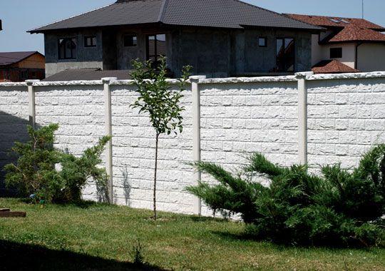 Garduri din beton prefabricat marca Konkret Line. Modele si calitate Made In England