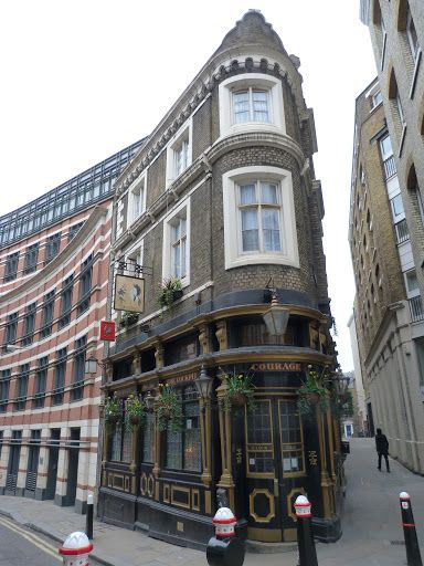 The Cockpit pub, built on the site of William Shakespeare's house in Ireland Yard, that was destroyed in the Great Fire of London in 1666. Blackfriars | The Lost City of London