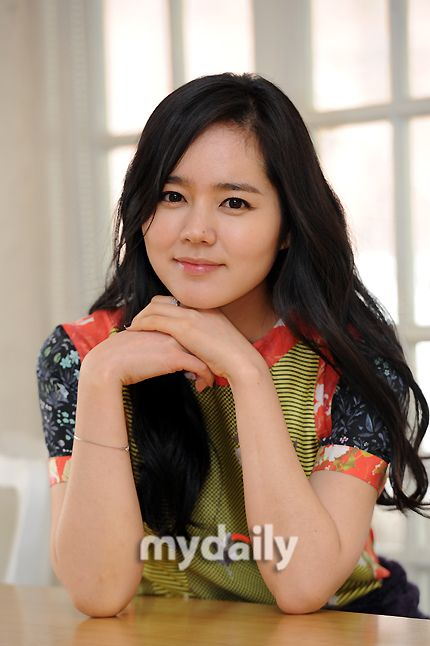 Han Ga In signs with BH Entertainment, becomes labelmates with Lee Byung Hun