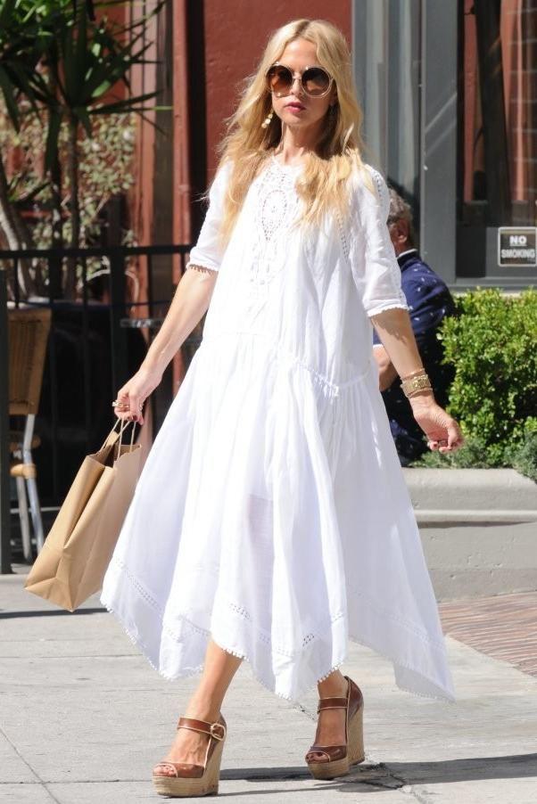 Rachel Zoe wearing Chloe Carlina Round Wire Sunglasses in Rose Gold and Rachel Zoe Garance Espadrille Wedge Sandal