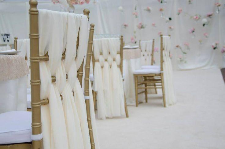 Nunti - YesEvents | your perfect event! #scaunechiavari #goldchiavarichair #chairdecoration