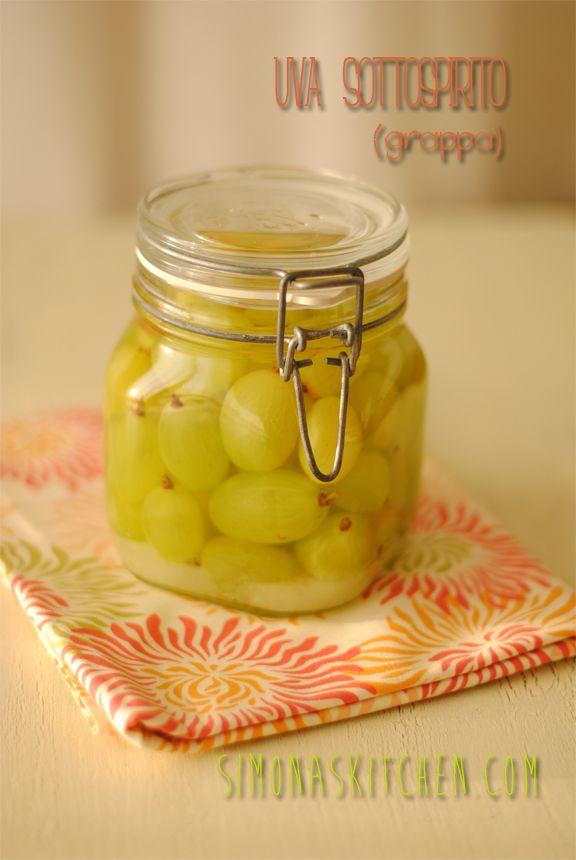 Simona'sKitchen: Uva Sottospirito (Grappa) - Soaked Raisins in Grappa - Raisins à l'Eau-de-vie