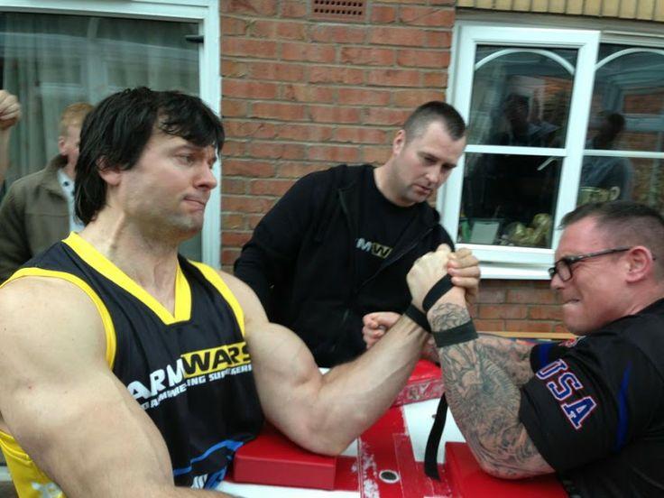 larratt arm wrestling | Devon Larratt - Paul Maiden - left