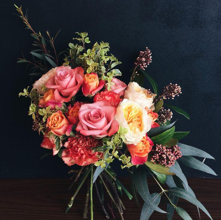 Пионовидные розы, скимия, фитоспорум, эвкалипт