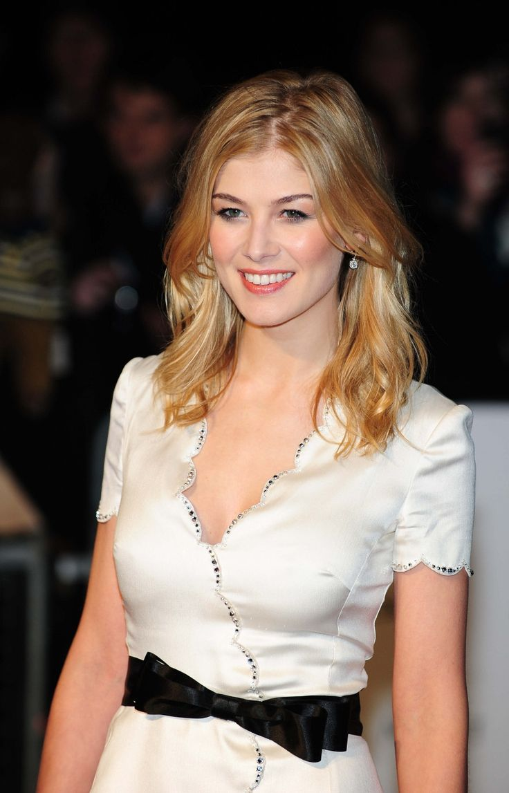 Rosamund Pike, such a pretty, classy young lady