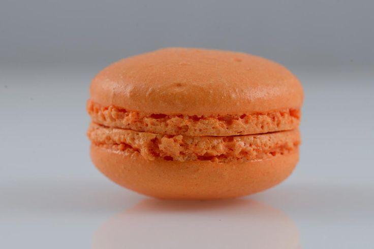 Macaron LUBΟ με κρέμα από εσπεριδοειδή (λεμόνι, πορτοκάλι, μανταρίνι).