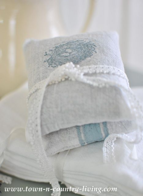 5 Easy Steps to Make French Lavender Sachets - Town & Country Living