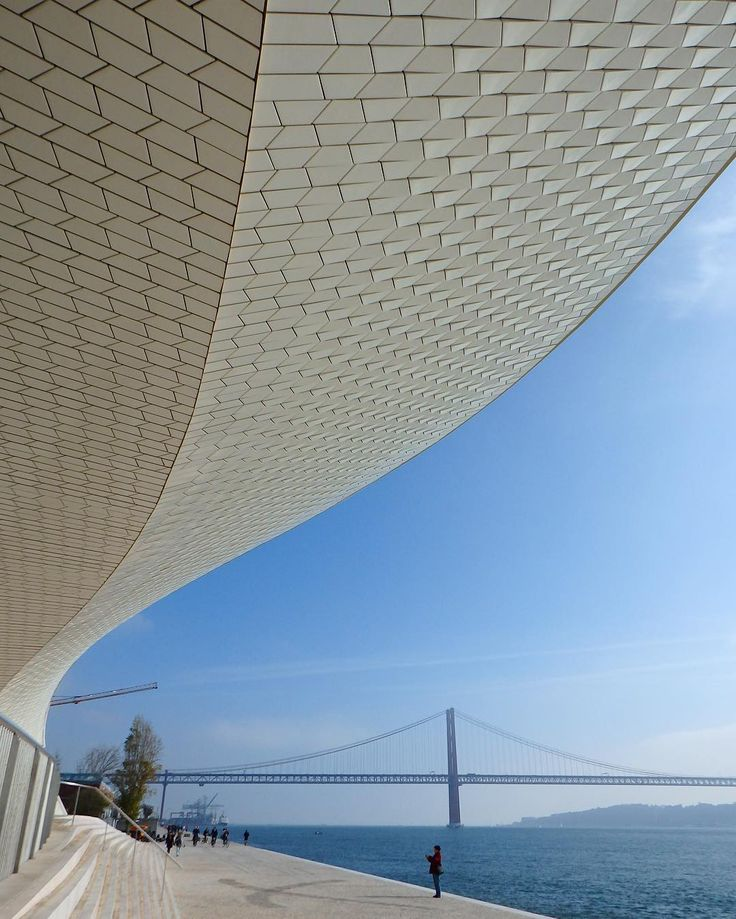 "463 Gostos, 25 Comentários - Travellight (@thetravellightworld) no Instagram: ""Two of Lisbon's architectural simbols: the new Museam of Art, Architecture and Technology and  the…"""