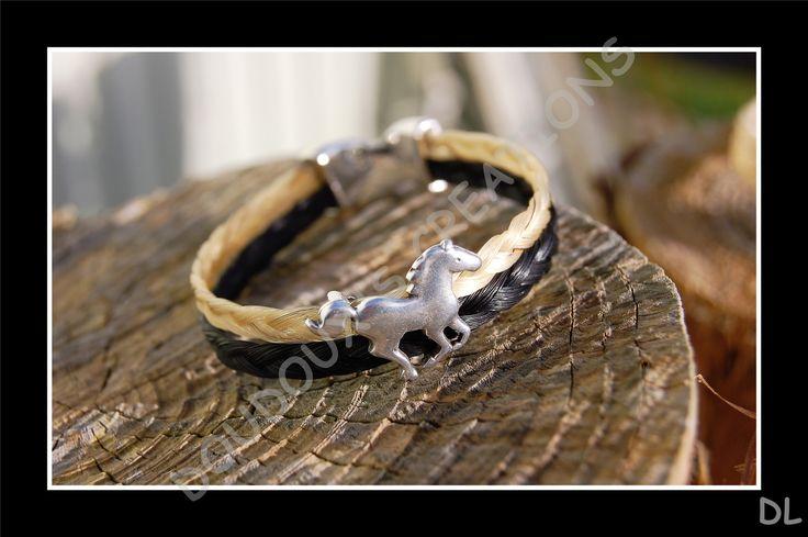 Bracelet en véritables crins de cheval beige et noir, doubles tresses ordinaires, perle passante cheval, fermoir clip : Bracelet par doudoux-crins