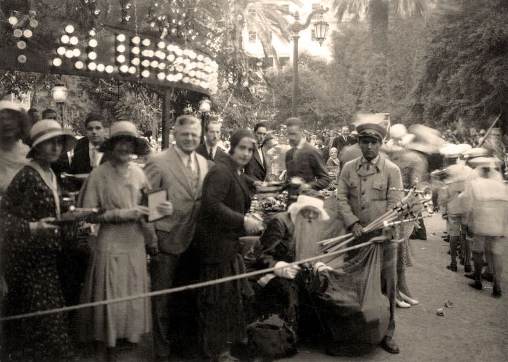 revista familia chile, 1930, viejo pascuero en la plaza de armas