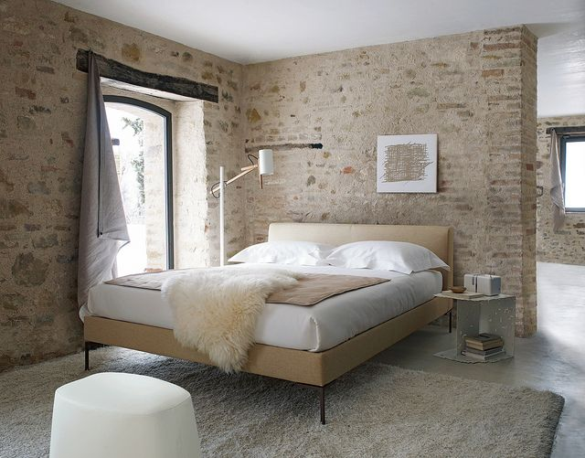 casa olivi.  Love the walls, the bed the simplicity of it all!