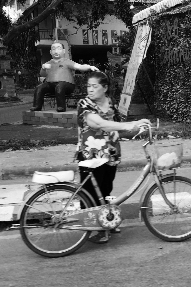 Street Photography from Around the World by Mark Hemmings, www.markhemmings.com - Chiang Mai Thailand