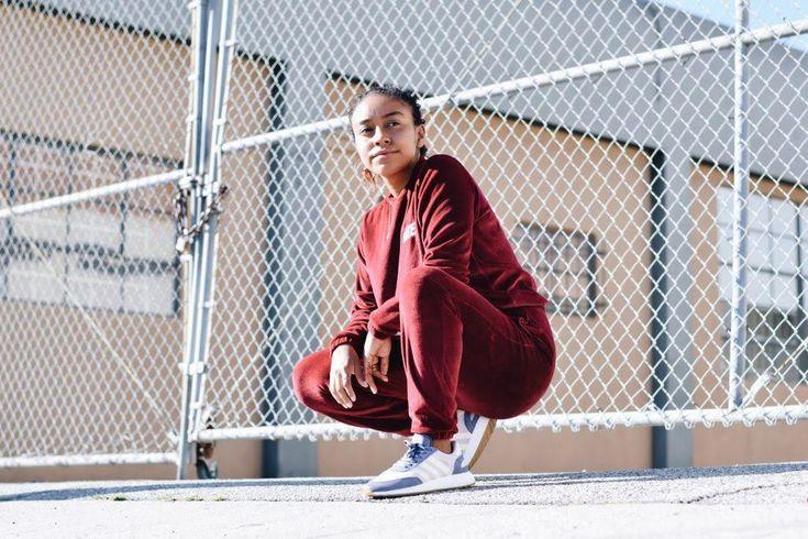 Bella Hadid Complex Sneaker Shopping kim kardashian kylie kendall jenner backlash marc jacobs dreadlocks
