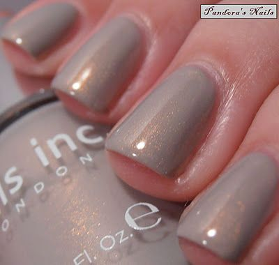 Nails Inc - Covent Ballet Garden | Photo by Pandora's Nails | #EssentialBeautySwatches | BeautyBay.com