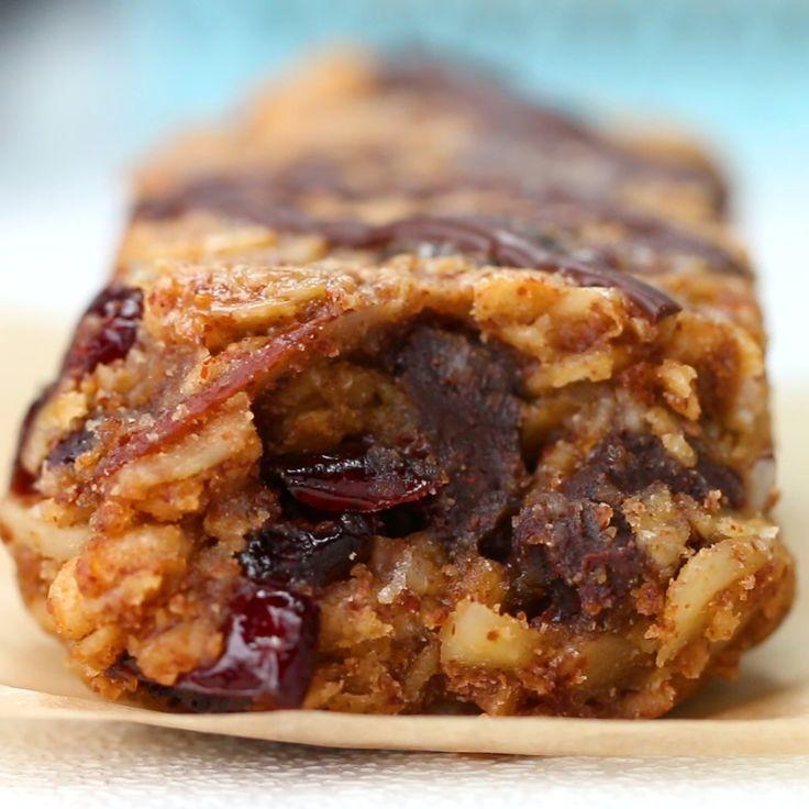 Chewy Oatmeal Breakfast Bars To-Go
