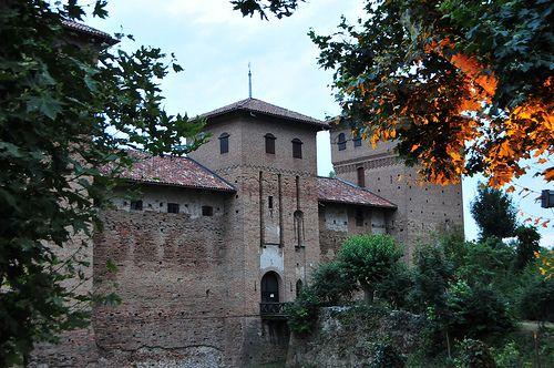 Piemonte Cherasco - Castello Visconteo  #TuscanyAgriturismoGiratola