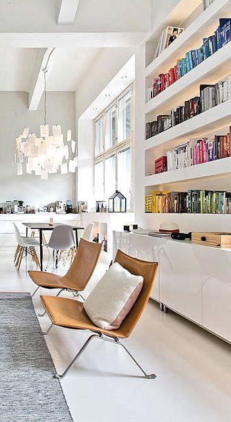 Pièce à vivre, Bibliothèque avec éclairage doux intégré | bookshelves with soft lighting