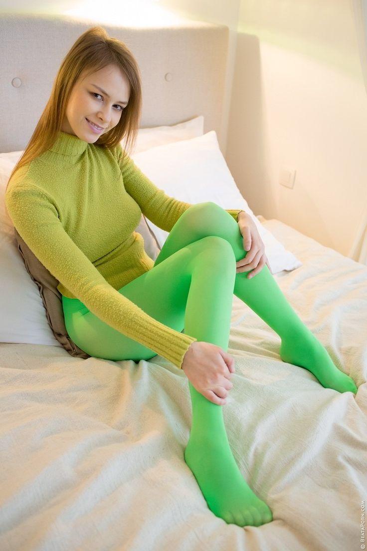Green Pantyhose 68