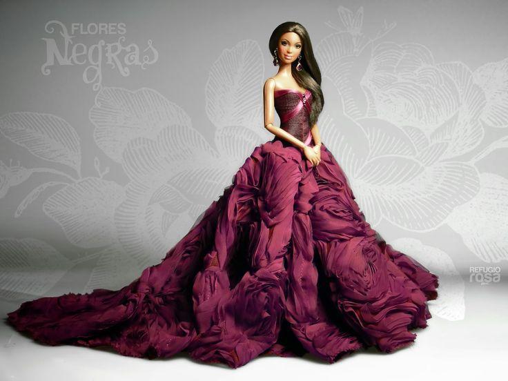 Refugio Rosa Flores Negras Barbie Doll 2014