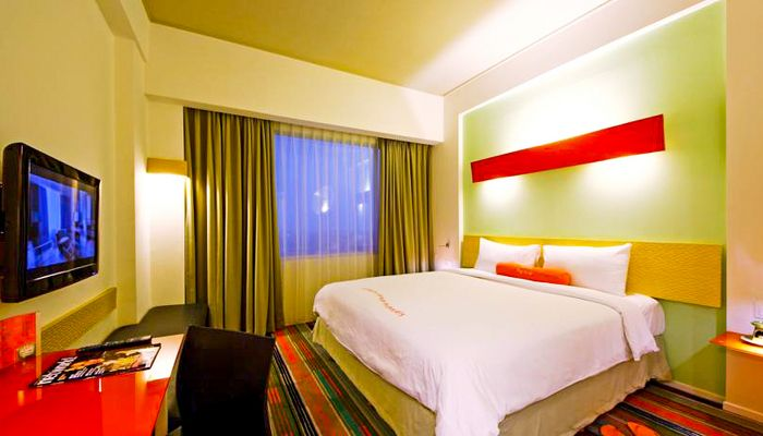 Harris Hotel and Convention Festival CTLink Bandung. This hotel located near the Festival CityLink Bandung, this hotel has 175 rooms, with a modern design room, every room has AC, mini bar, toiletries, and wifi, this hotel has a children playground. http://zocko.it/PDJ2