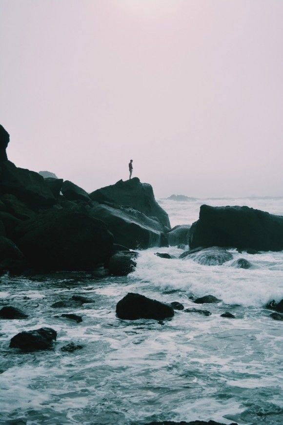Travel Tuesday: Things To Remember When You're Traveling Alone