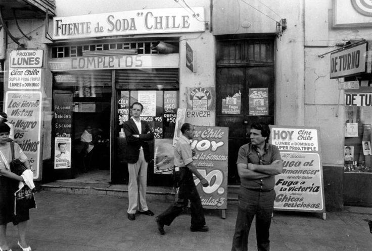 Ekho Gallery / CF-LART, Marcelo Montecino, Fuente de soda Chile, Santiago.1986, at Photo London 2017, http://photolondon.org