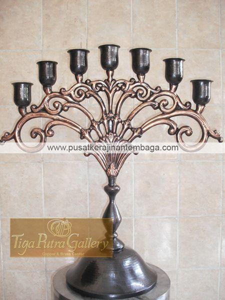 Kerajinan Tempat Lilin dari Tembaga dan Kuningan yang bisa anda pesan dengan berbagai bentuk dan ukuran untuk dekorasi cathering atau untuk kebutuhan lain