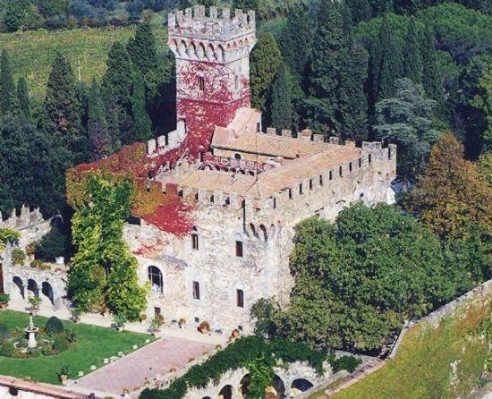 Florence ✈ Destination Wedding Guide:  Castello di Vincigliata
