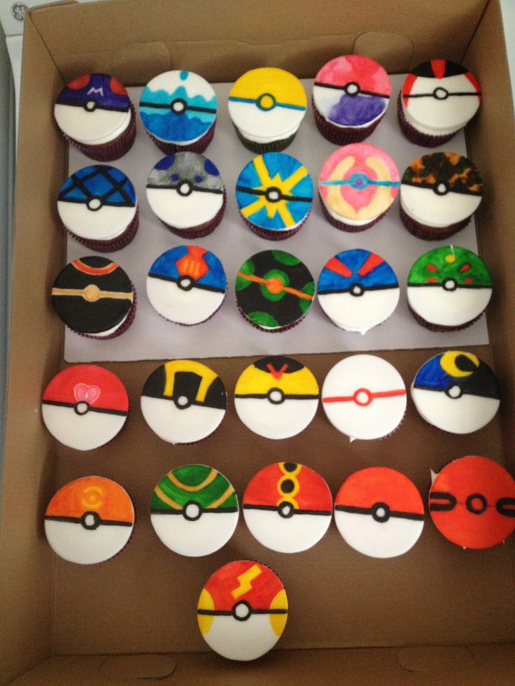 Cupcake Decorating Ideas For Boyfriend : 18 best images about Minecraft/Pokemon cake on Pinterest