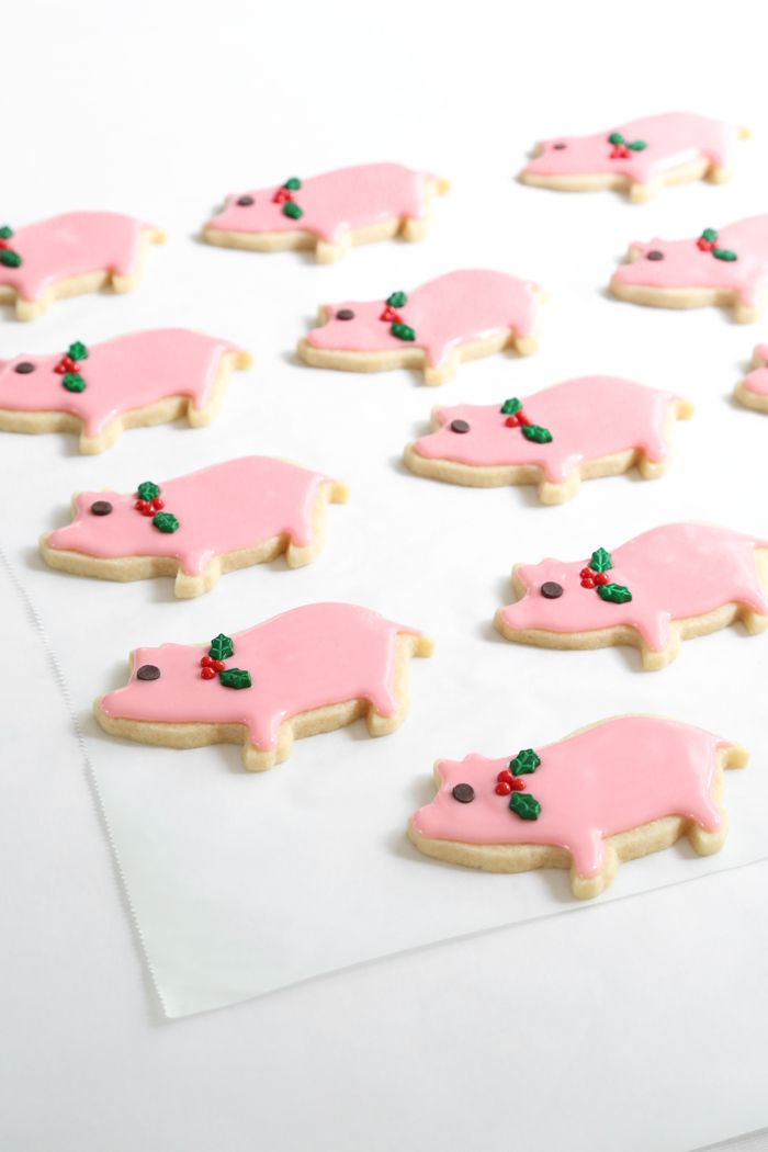 Gift This! Lucky Peppermint Pig Cookies   Sprinkle Bakes
