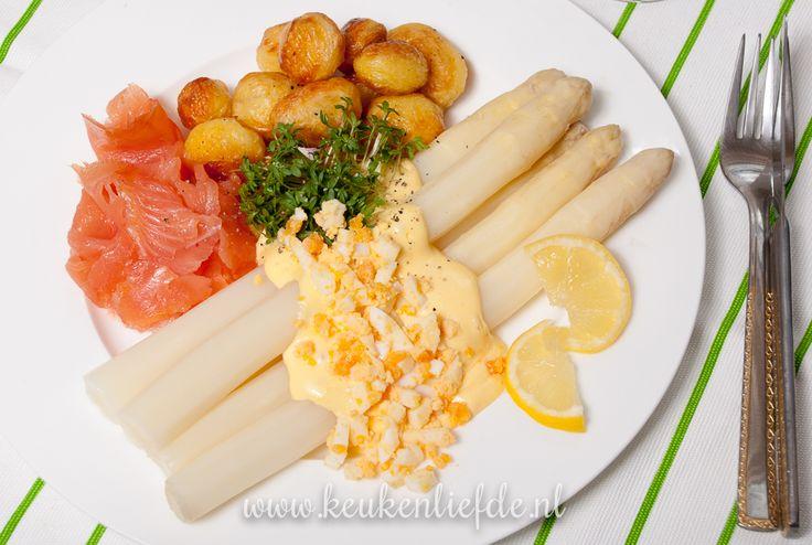 Asperges met zalm en hollandaisesaus - Keuken♥Liefde