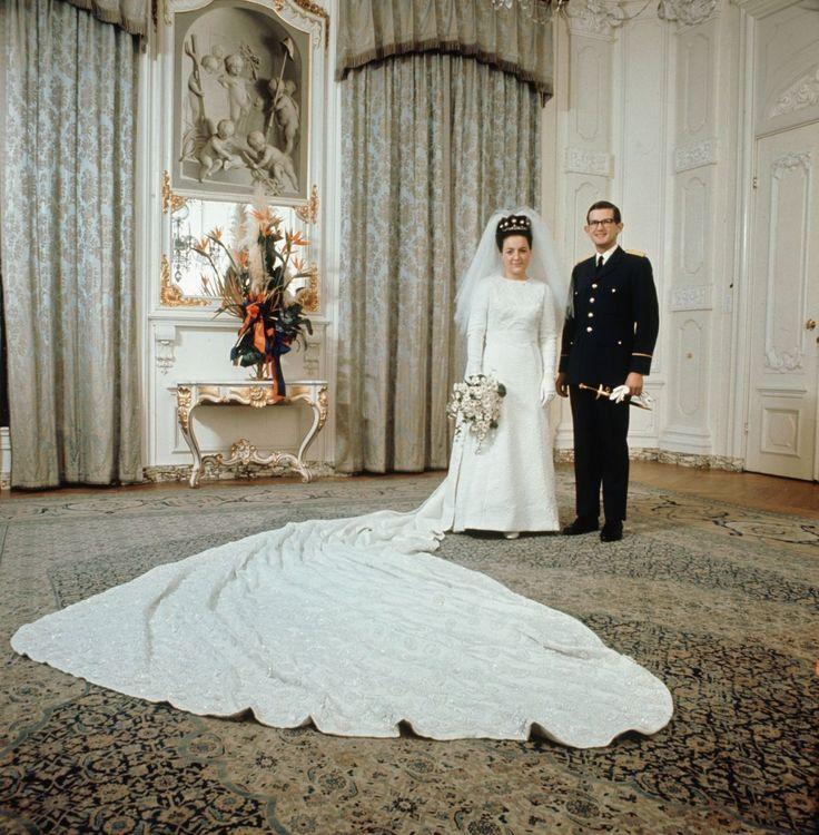 koningspaar:  Wedding of Princess Margriet of the Netherlands, third daughter of Queen Juliana and Prince Bernhard, and Pieter van Vollenhoven, January 10, 1967.