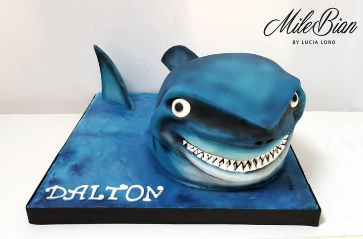 Shark Cake (with pictorial!) by MileBian
